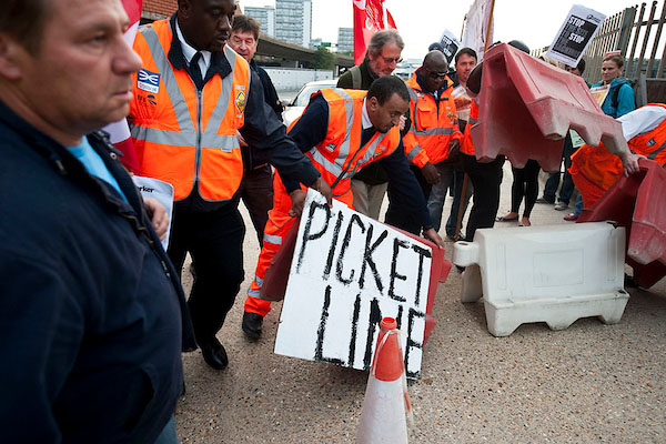 Picket and blockade of Crossrail project over sackings. 17-9-12