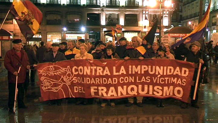 "La Comuna demo yesterday: ""Against Impunity: Solidarity with the victims of Francoism"""